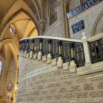 basilica_interior_escalera